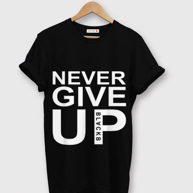 Awesome Mohamed Salah Never Give Up FC Liverpool Shirt