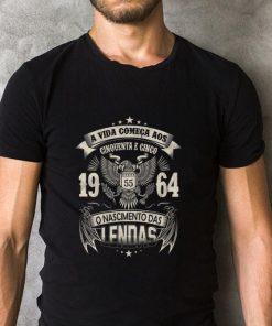 Original A Vida Comeca Aos Cinquenta E Um 1964 O Nascimento Das Lendas shirt 2 1 247x296 - Original A Vida Comeca Aos Cinquenta E Um 1964 O Nascimento Das Lendas shirt