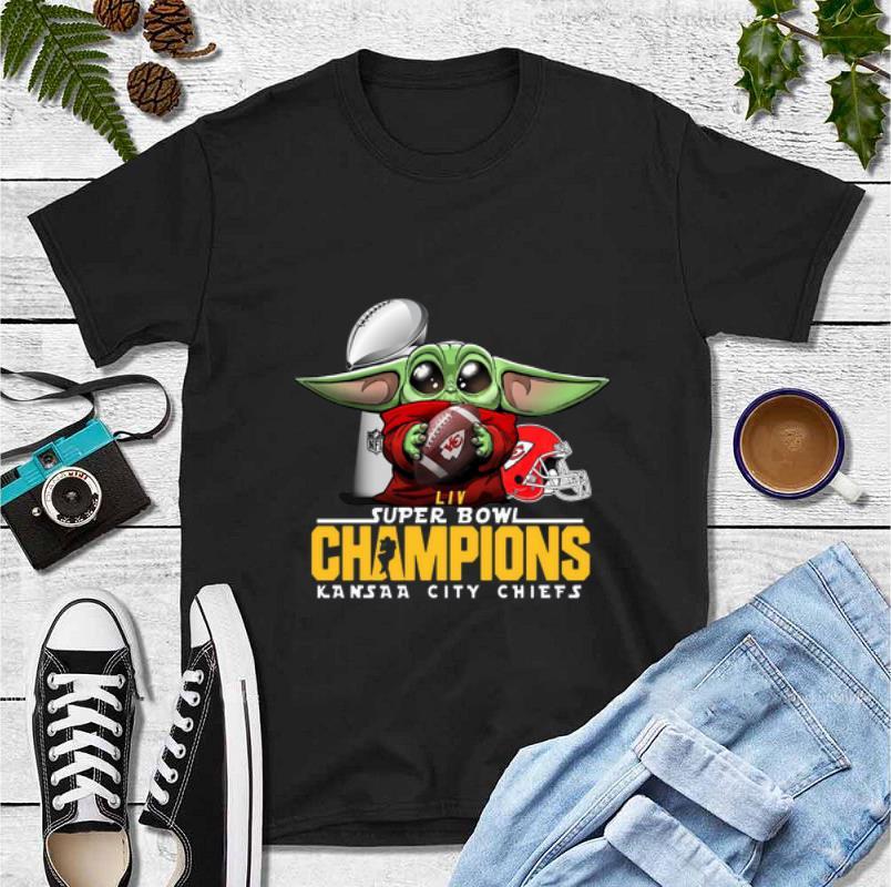 Awesome LIVE Super Bowl Champions Baby Yoda Hug Kansas City Chiefs shirt