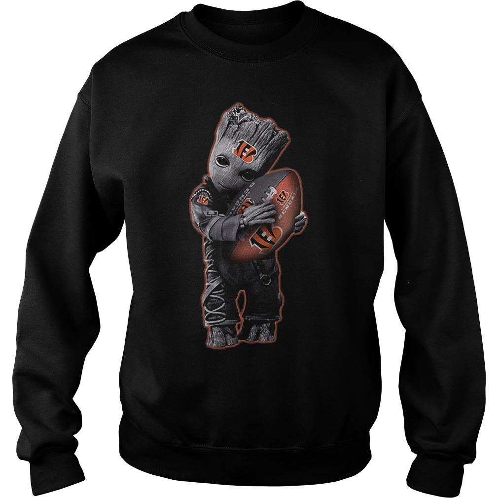 Baby Groot Hug Cincinnati Bengals Football NFL T Shirt Sweat Shirt - Baby Groot Hug Cincinnati Bengals Football NFL T-Shirt