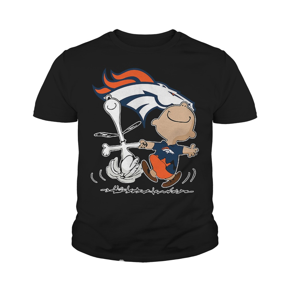 Charlie Brown And Snoopy Denver Broncos T Shirt Youth Tee - Charlie Brown And Snoopy: Denver Broncos T-Shirt