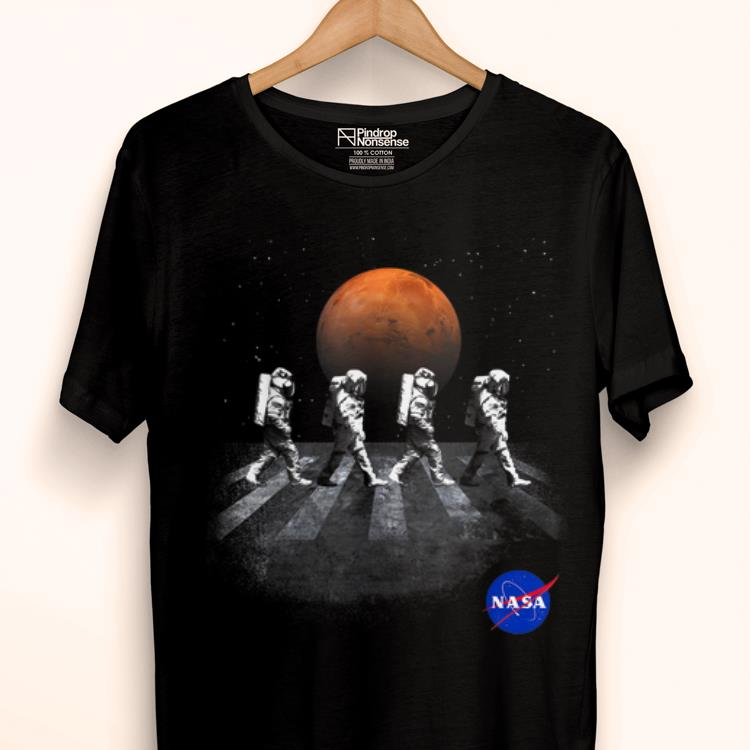 Awesome NASA Walking Astronauts In Space Mars shirt
