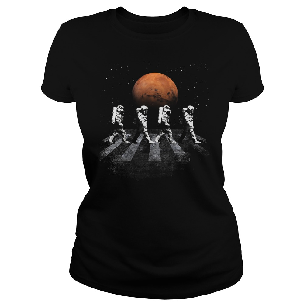 Astronauts In Walking In Space Occupy Mars Ladies