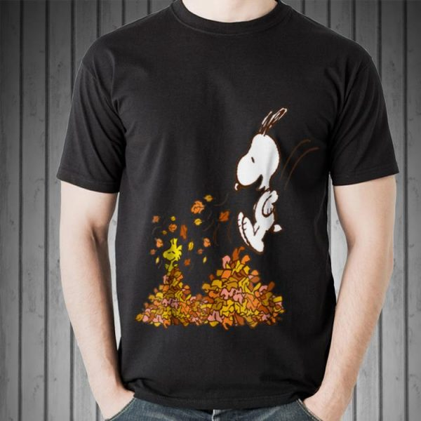 Awesome Peanuts Snoopy Jumping Into leaf Autumn shirt
