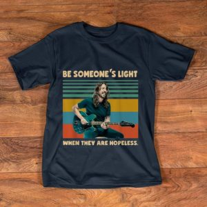 Official Vintage Dave Grohl Be Someone's Light When They Are Hopeless shirt
