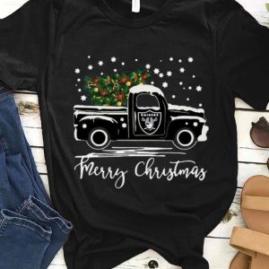 Pretty Oakland Raiders Truck Merry Christmas shirt