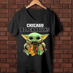 Official Star Wars Baby Yoda Hug Chicago Blackhawks shirt