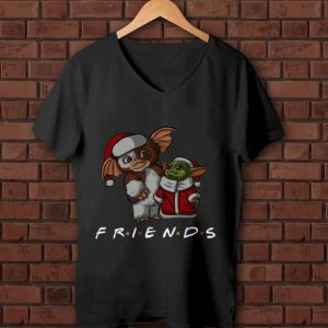 Top Baby Gizmo And Baby Yoda Santa Friends Christmas shirt