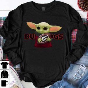 Top Football Baby Yoda Hug Georgia Bulldogs shirt
