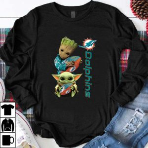 Awesome Baby Groot And Baby Yoda Hug Miami Dolphins shirt