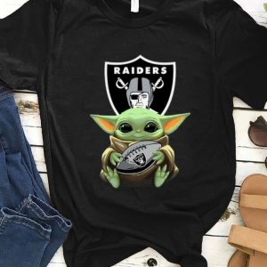 Awesome Star Wars Football Baby Yoda Hug Oakland Raiders shirt