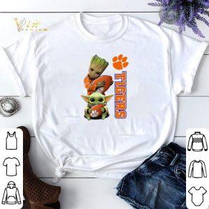 Baby Groot and Baby Yoda hug Clemson Tigers Star Wars shirt sweater