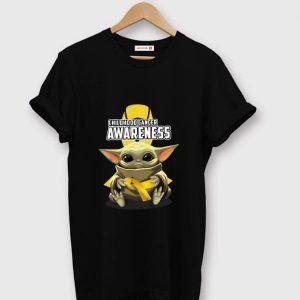 Great Baby Yoda Hug Childhood Cancer Awareness shirt