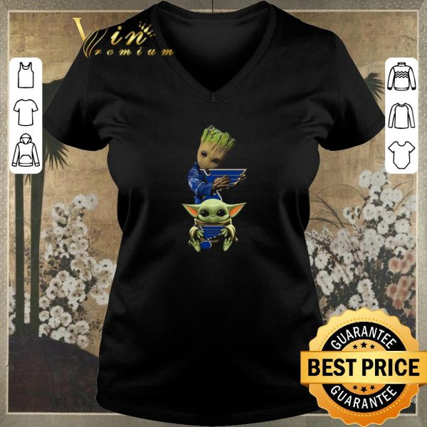 Pretty Baby Yoda and Baby Groot hug St. Louis Blues Star Wars shirt sweater