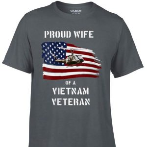 Awesome Proud Wife of a Vietnam Veteran Air Force America Flag shirt