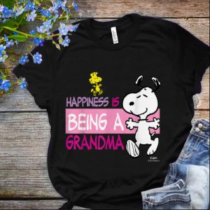 Nice Peanuts Snoopy Happiness is Being a Grandma shirt