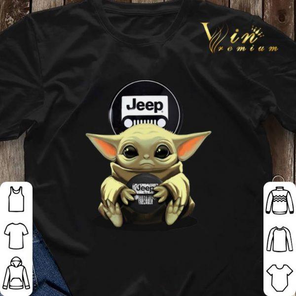 Baby Yoda hug Logo Jeep Circular shirt sweater