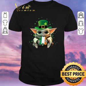 Top Baby Yoda Hug St Patrick's Day Star Wars shirt sweater