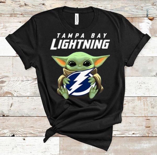Pretty Star Wars Baby Yoda Hug NHL Tampa Bay Lightning shirt
