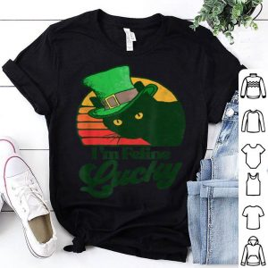 Awesome Feline Lucky Vintage St Patricks Day Funny Cat Distressed shirt