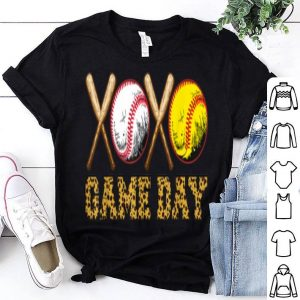 Awesome Mom Baseball Softball Leopard Print Game Day Mothers Day shirt