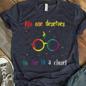 No One Deserve To Live In A Closet LGBT World Pride shirt