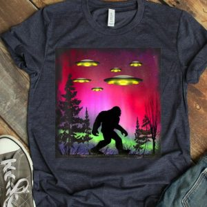 Bigfoot UFO Abduction Northern Lights For Believers shirt