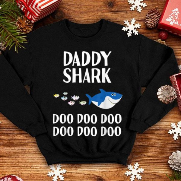 Awesome Mens Daddy Shark Doo Doo Christmas Gift Matching Family sweater