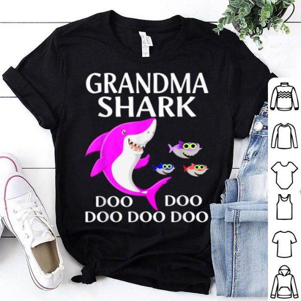Awesome Nice Grandma Shark Doo Doo Halloween Christmas Gift Mother's Day shirt