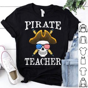Top Pirate Teacher Funny Halloween Party Costume Gift shirt