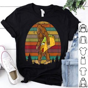 Premium Bigfoot Carrying Taco Bigfoot Retro Vintage shirt