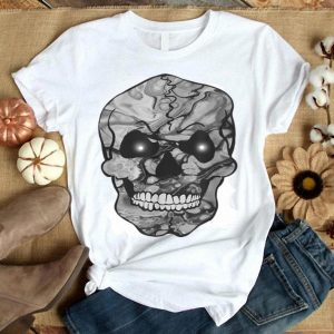 Awesome Smiling Skull Halloween trick or treating shirt