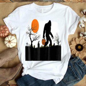 Premium Halloween Sasquatch Bigfoot Halloween Costume shirt