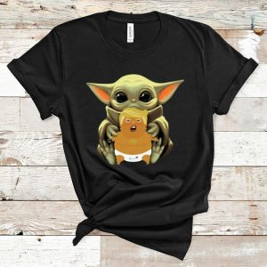 Awesome Baby Yoda hug baby Donald Trump shirt