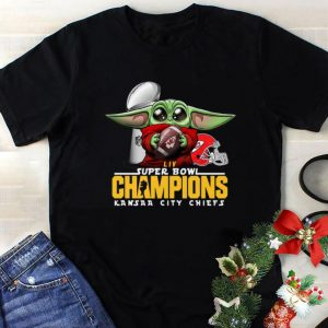 Top Baby Yoda Hug Kansas City Chiefs Super Bowl Champions Star Wars shirt