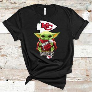 Top Kansas City Chiefs Baby Yoda Hug Super Bowl Champions shirt