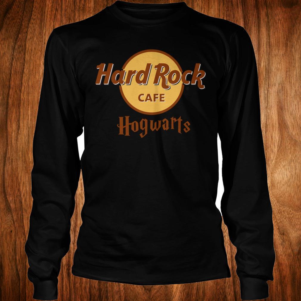- Harry Potter hard Rock cafe Hogwarts shirt