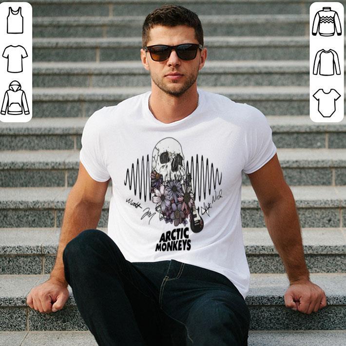 - Skull Arctic Monkeys signatures shirt