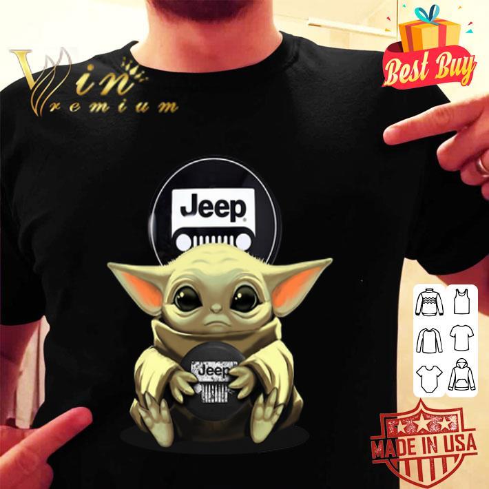 Baby Yoda hug Logo Jeep Circular shirt