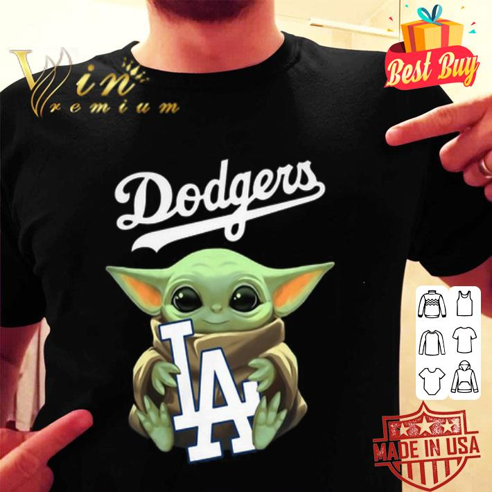 - Baby Yoda hug Los Angeles Dodgers Star Wars Mandalorian shirt
