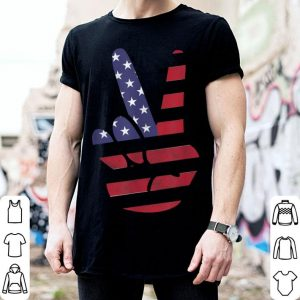 Patriotic 4th Of July American Flag Peace Sign Hand shirt