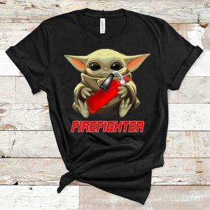Premium Star Wars Baby Yoda Hug Firefighter shirt