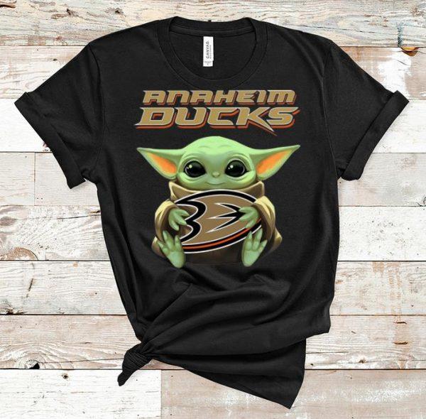 Official Star Wars Baby Yoda Hug Anaheim Ducks shirt