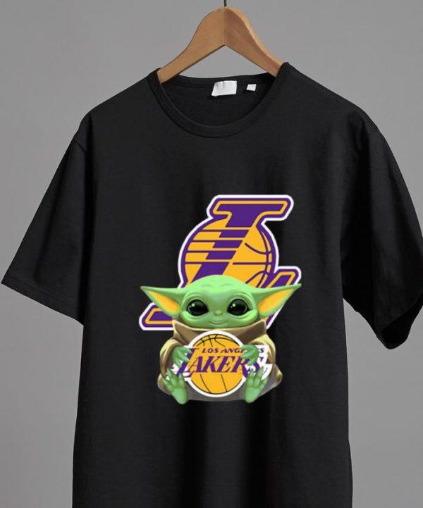 Nice Baby Yoda Hug Los Angeles Lakers shirt