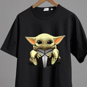 Top Star Wars Baby Yoda Hug Black Mamba Kobe Bryant shirt
