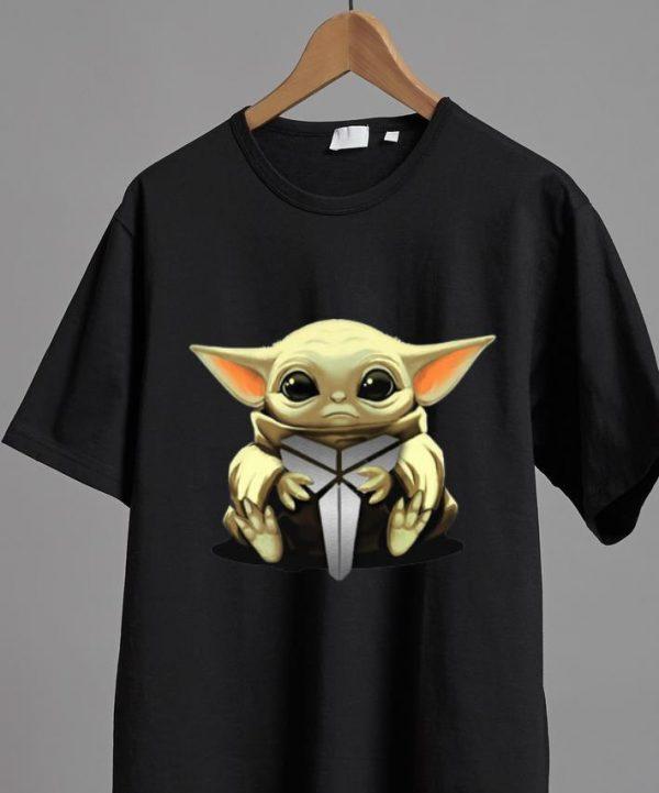 Top Star Wars Baby Yoda Hug Black Mamba Kobe Bryant shirt