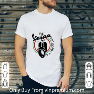 Awesome Bee Vespa It's A Way Of Life shirt
