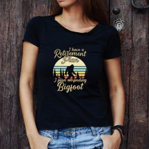 Awesome Vintage Bigfoot I Have A Retirement Plan I Plan On Finding Tree Sunset shirt