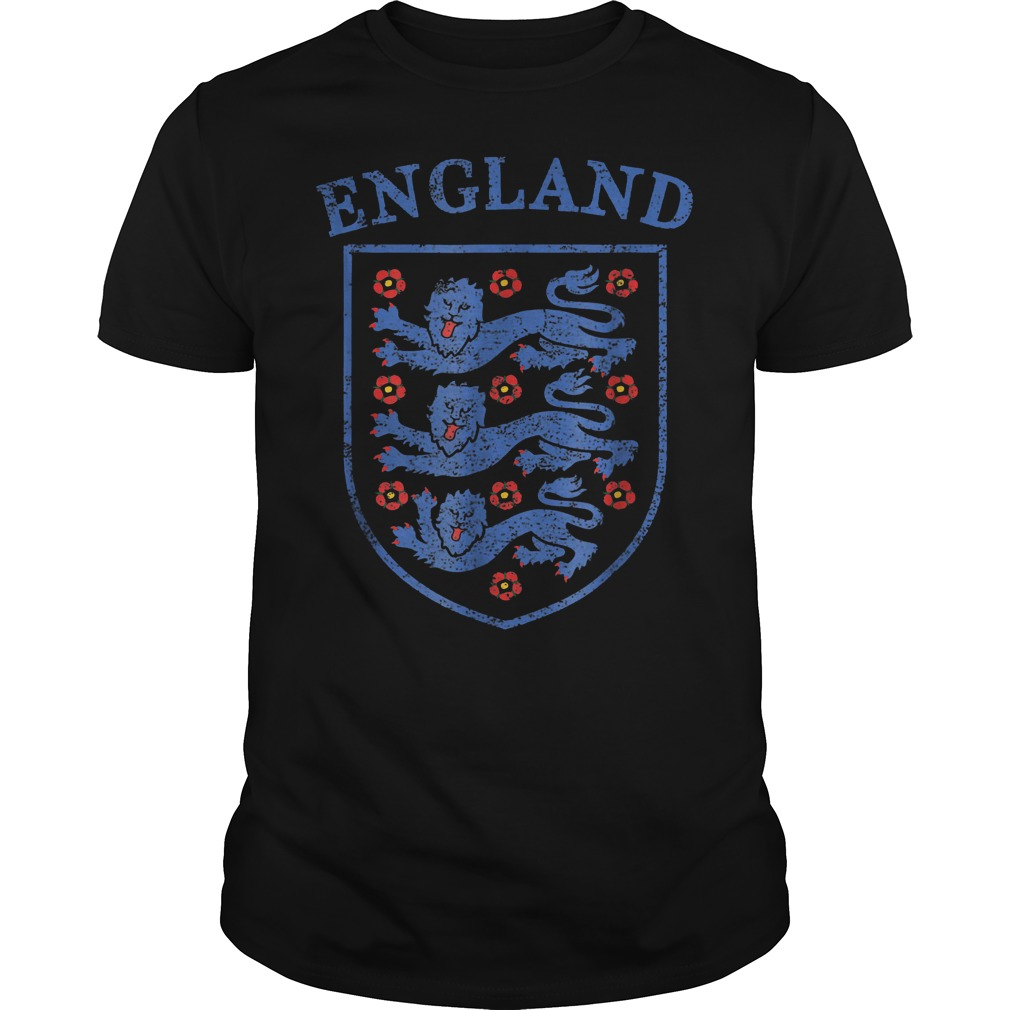 Vintage England Lions World Soccer Team Russia 2018 T-Shirt Guys Tee