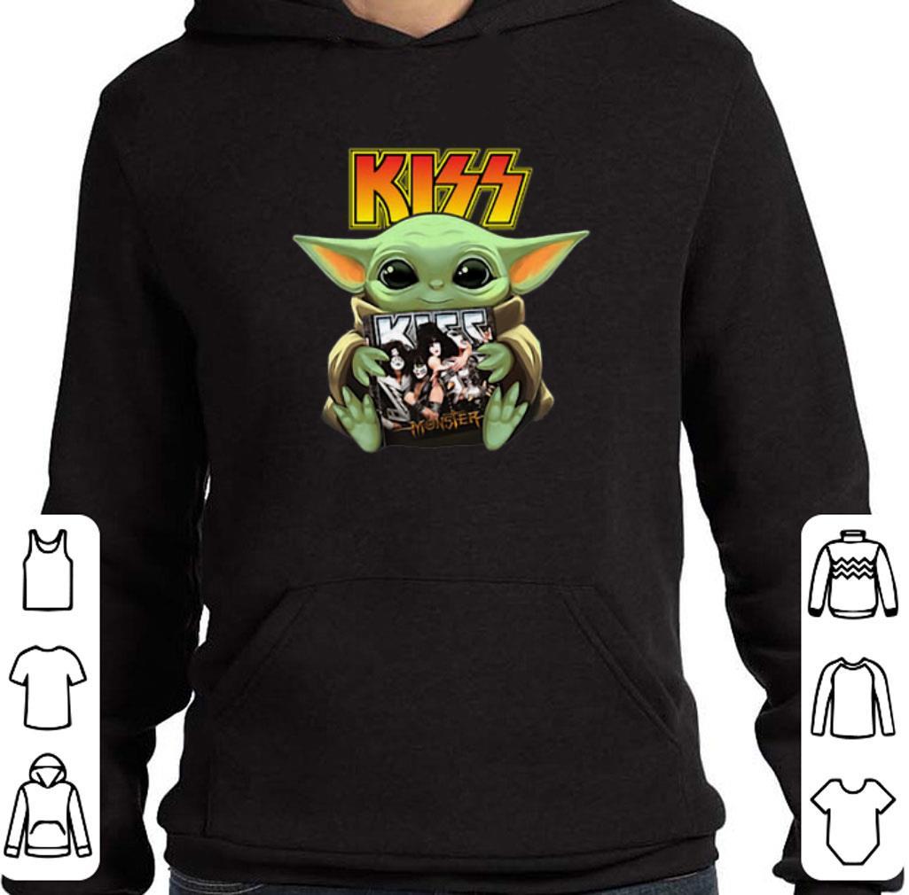 Pretty Baby Yoda hug Kiss Star Wars Mandalorian shirt